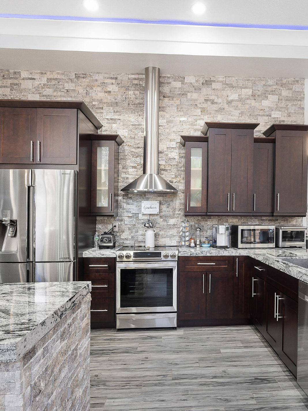 COLORFUL KITCHEN - CRS Cabinets